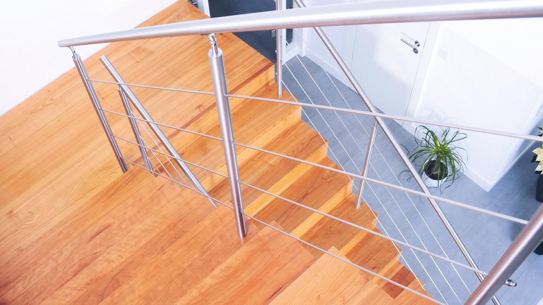 treppen aus holz perfekt geplant perfekt gefertigt. Black Bedroom Furniture Sets. Home Design Ideas
